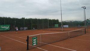 Este domingo de deciden las finales masculina y femenina del Campeonato de Andalucía Absoluto de Tenis. / Foto: www.fatenis.com.