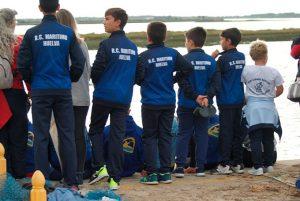 Algunos de los deportistas del Real Club Marítimo de Huelva en la cita en El Terrón.