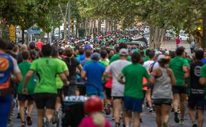 Cerca de 700 corredores se han dado cita en la XXXII Vuelta a Huelva.