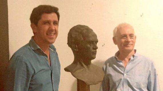 Ayamonte acoge la muestra 'Brotes de madera y barro' del escultor Antonio León Ferrero