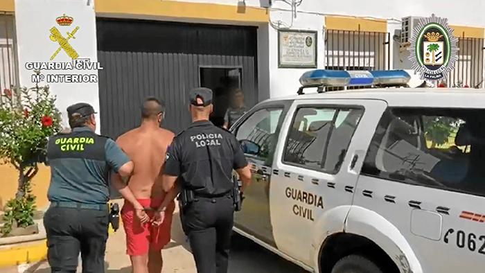Detenido un varón con cuatro órdenes de ingreso en prisión en La Palma del Condado