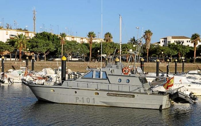 El Patrullero de la Armada 'P-101' recala en el Puerto Deportivo de Isla Cristina