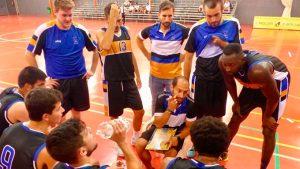 El equipo de Álex Ledesma espera ganar el domingo al CD Cordobabasket.