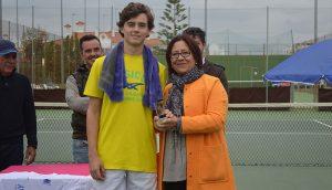Nicolás Vicente, vencedor Absoluto del torneo celebrado en El Portil.