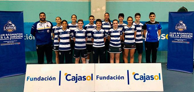 Componentes del Fundación Cajasol IES La Orden en la jornada de la Liga Andaluza de Clubes de Bádminton en Mazagón.