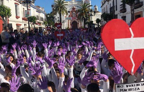 Gran participación en la Marcha Escolar contra la Violencia de Género celebrada en Almonte