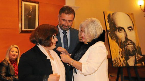 Soledad González Ródenas recibe el Perejil de Plata por su labor de difusión de la obra de Juan Ramón Jiménez