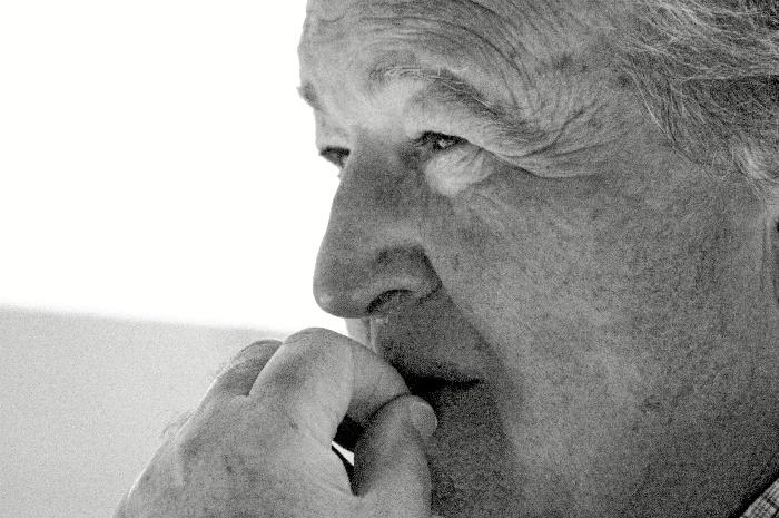 El escritor Manuel Garrido Palacios publica su nueva novela 'Teclas blancas. Teclas negras'
