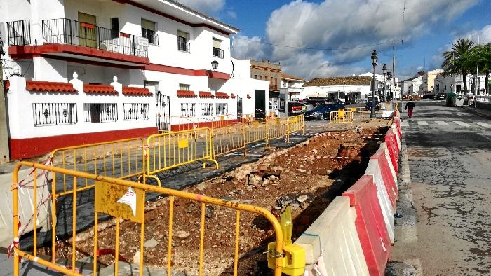 Puebla de Guzmán apuesta por la rehabilitación de tres puntos clave del municipio