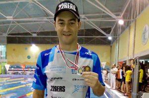 Rubén Gutiérrez, con una de las medallas obtenidas en Albacete.