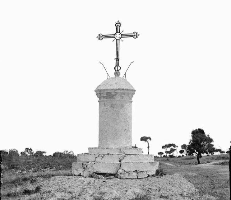 Cruz exterior del Monasterio de la Rábida, década de los 80 del siglo XIX