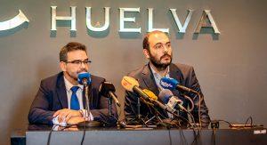 Un momento de al rueda de prensa de los responsables de Krypteia Capital Huelva.