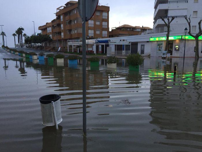 Las autoridades piden precaución a los onubenses por la alerta amarilla por lluvias, prevista hasta las 18.00 horas