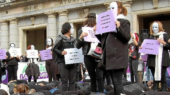 Huelva marcha para demostrar su repulsa a la violencia machista