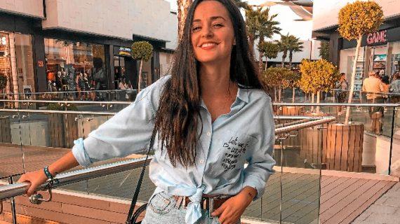 Rocío Librero Márquez, una podóloga apasionada por el mundo de las redes sociales que muestra su vida a través de Youtube