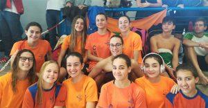 Componentes del equipo femenino del CN Huelva en el Campeonato en Lucena (Córdoba).