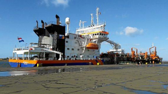 La gestión del dragado, prioritaria en la estrategia ambiental del Puerto de Huelva