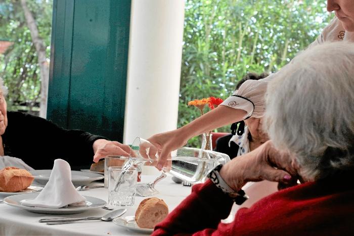 Grupo ORPEA acoge en sus centros a personas mayores que viven solas para que pasen una cálida Navidad