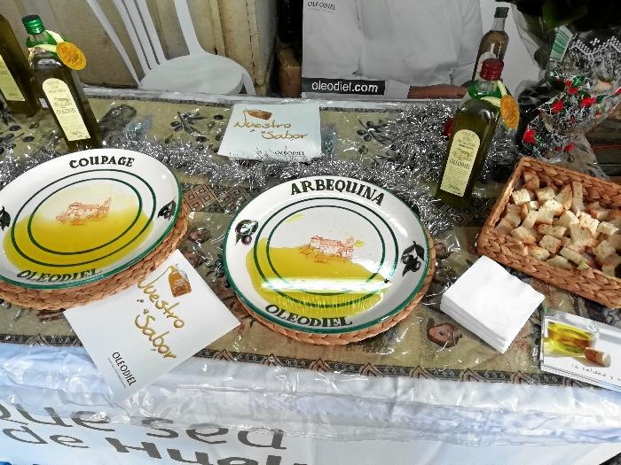 La IX Muestra del Aceite de Oliva y Conservas de la Provincia de Huelva da inicio a la campaña navideña