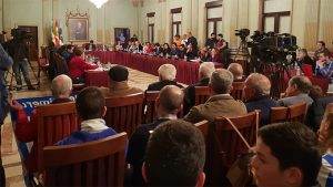 Aspecto del Salón de Plenos del Ayuntamiento de Huelva en la jornada de este jueves. / Foto: G. J. G.
