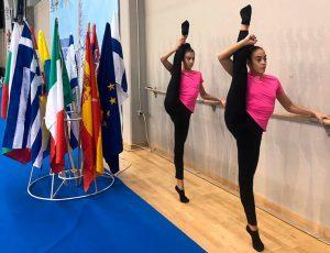 Las gimnastas del Rítmico Colombino durante los entrenamientos.