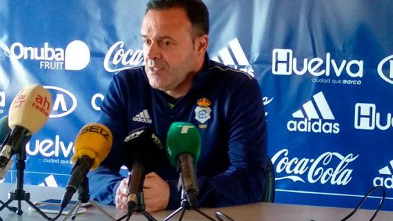"""José María Salmerón habla de """"paciencia"""" para ganar a la Balona y lograr así la tercera victoria consecutiva"""