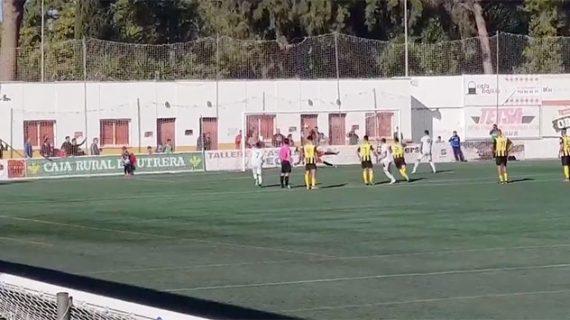 Nico Monclova sustenta la resistencia del San Roque en su trabajado empate en Utrera (0-0)
