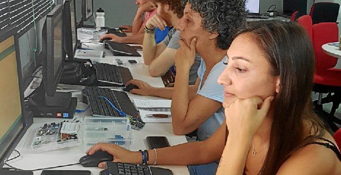 La red de formación digital Guadalinfo gana peso en la provincia onubense