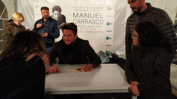 Manuel Carrasco pide disculpas por lo sucedido en la firma de discos en Huelva