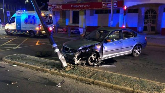 La Policía Local de Lepe investiga un accidente registrado en la Avenida de Andalucía