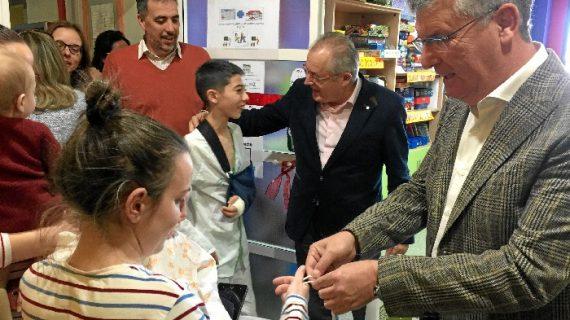 Niños hospitalizados reciben el cuento 'Aurora, una pequeña lince en Doñana'