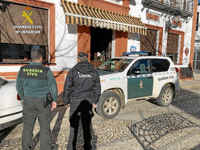 Detenido un varón tras robar en dos establecimientos de Jabugo