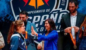 María José Rienda y Jorge Garbajosa durante la entrega de las medallas. / Foto: @fabhuelva.