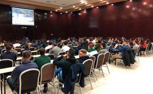 Un momento de la charla de Xavier Amorós, director técnico arbitral de la Federación Española de la Baloncesto.