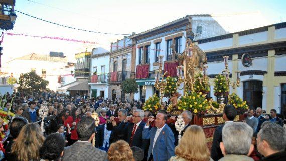San Vicente Mártir procesiona por Zalamea la Real