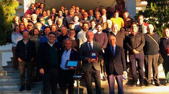 El Club de Golf Bellavista rinde un merecido homenaje a su maestro Miguel Sánchez Becerra