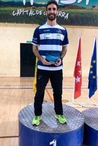 Pablo Abián en el primer lugar del podio en el torneo disputado en Collado Villalba.