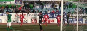 Los jugadores del Recre celebran el primer gol, obra de Víctor Barroso. / Foto: recre.org.
