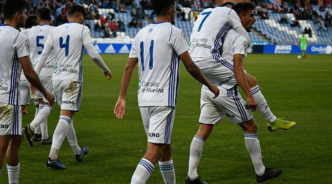 El Recre se alía con su fiel afición para ganar en Sevilla y seguir con paso firme hacia la promoción de ascenso