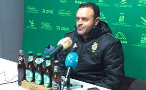 José María Salmerón, entrenador del Recreativo de Huelva. / Foto: @recreoficial.
