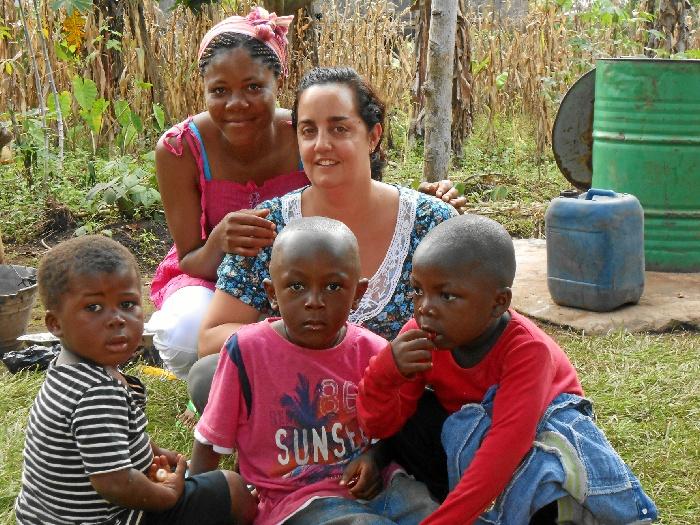 La abogada moguereña Rocío Maury, cuando la solidaridad y la felicidad van de la mano