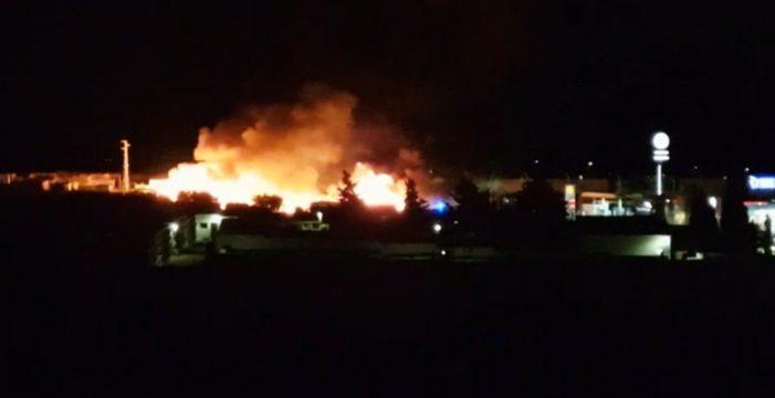 Extinguido un incendio en una zona de chabolas en Lepe