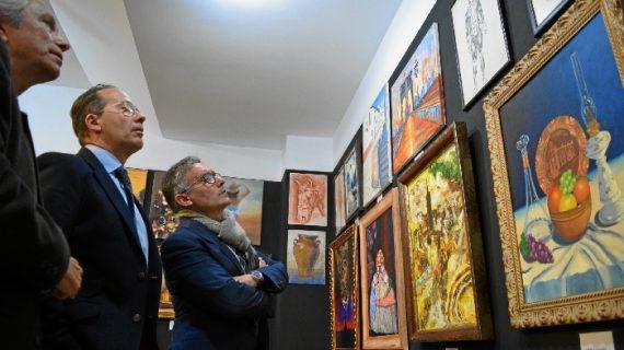 'Mi obra favorita', la exposición con la que Hinojos celebra el 25 aniversario de su taller de pintura