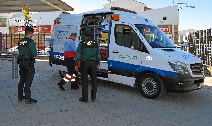 Detenido un varón por sustraer dos maletas de una ambulancia en Ayamonte