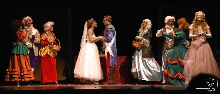 La Palma del Condado acoge el musical 'El Zapato de Cristal, Tributo a La Cenicienta'