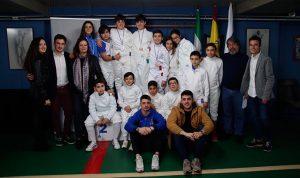 Componentes del Club Esgrima Huelva en el torneo celebrado en el Palacio de Deportes.