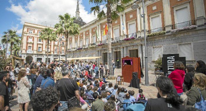 Los artistas de Huelva ya pueden formalizar su participación en el Día del Autor Onubense