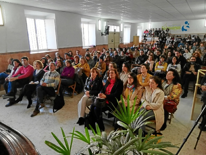 El colegio María Auxiliadora de Valverde acoge la Jornada Provincial de Comunidades de Aprendizaje