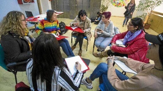 Profesionales y familias abordan en unas jornadas la realidad de los transexuales en Huelva