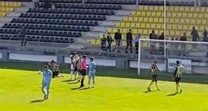Los jugadores del San Roque celebran el triunfo obtenido ante el Ciudad de Lucena.